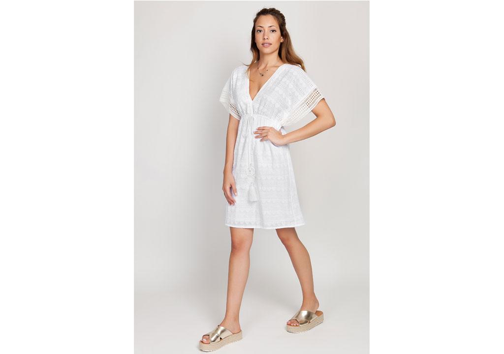 IMG 2675 IMG 2271 IMG 2345. Λευκά τοπ με fashion λεπτομέρειες. White3  White2 · PreviousΤα key-items του φετινού καλοκαιριού! 4d1efeb3ed5