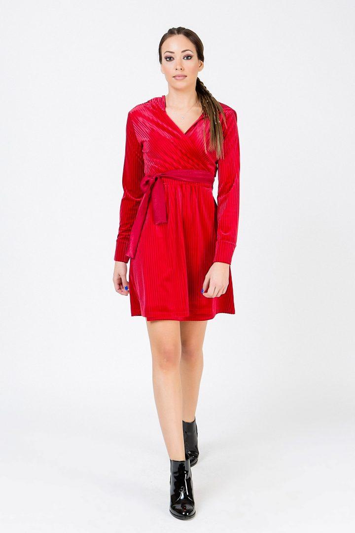 Βελούδινο φόρεμα – ISO - eshop με νεανικά γυναικεία ρούχα 37db628a4b1
